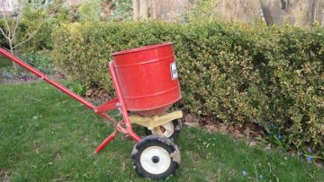 October is good time for lawn fertilizer.