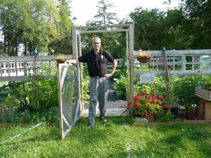 Mick Manfield - Owning a Hobby Greenhouse